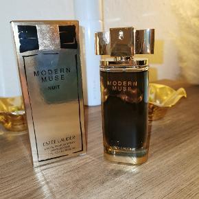 Estée Lauder parfume