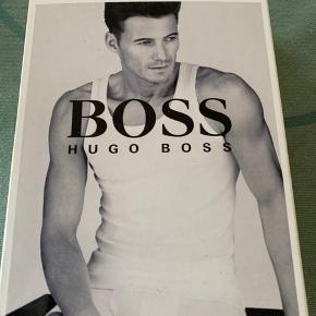 Hugo boss undertrøje. Str XL. Hvid. Ikke brugt