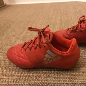 Orange fodboldstøvler / STR. 35