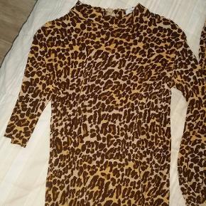 Lækkert leopard sæt fra Envii str. M