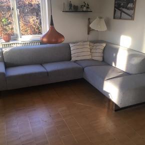 Lækker sofa fra Bolia. Renset en gang om året. 5 år gammel. Meget lidt slid
