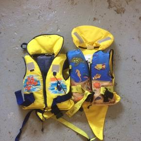 To redningsveste.  1, 10-20 kh 2. 15-30 Afhentes eller mødes