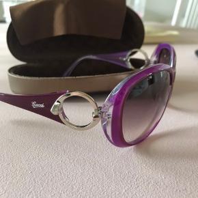 Flotte og fede solbriller, de er selvfølgelig brugt et par gange.