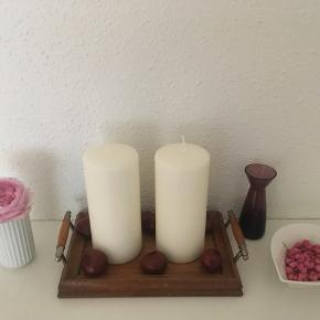 Fin lille antik træbakke kan bruges til f.eks. lys 💡🕯🌿måler 22 x 14,5 cm 🌸😊☘️🌼Pris 130 kr🌿🌼☘️