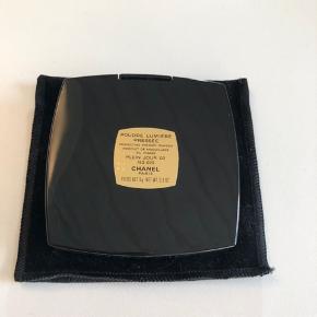 Chanel puder sælges - brugt få gange. Nuance: plien jour 02.
