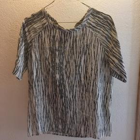 Second Female t-shirt