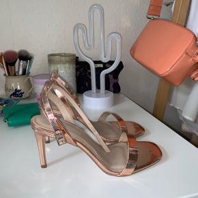 Fineste heels fra Asos. Desværre for små til mig, så aldrig brugt