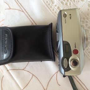 Fuji kamera med opbevaringstaske.