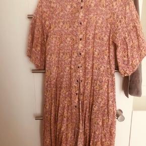 Lala Berlin kjole eller nederdel
