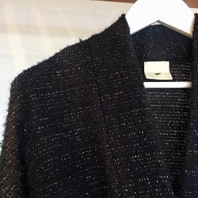 Meget smuk kappe fra Heartmade. Sælger kun for en god pris, ellers beholder jeg den:)