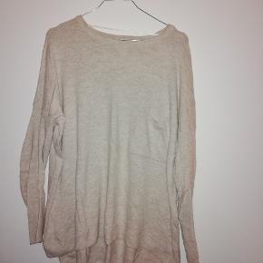 Oversized sweater str. XS/S