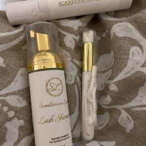 Helt nyt Eyelash extensions vippe vask medfølger helt ny børste til.  150 kr inkl fragt