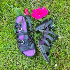 Marco Tozzi sandaler