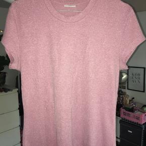 Super fin lyserød glimmer t shirt, 60 inkl fragt med dao