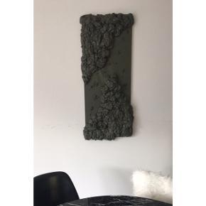 Maleri / kunst  Mørkegrøn nuance  Mål: 1 meter x 40 cm