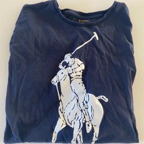 Brugt nogle gange, og vasket  Mørkeblå med hvid hest