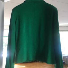 Super lækker blazer i den flotteste jakke. Ikke brugt meget.