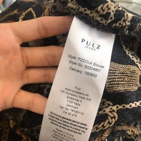 """Pulz """"pzzola"""" bluse  *læs venligst shop beskrivelsen inden køb!"""