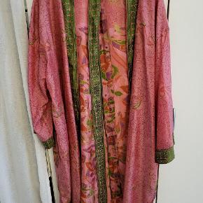 WAUW Design kimono