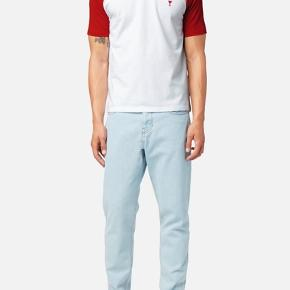 AMI eller Alexandre Mattiussi light blue carotte jeans - Str. 29  Helt nye og har kun været prøvet på.