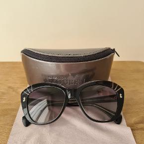 Alexander McQueen solbriller