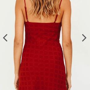 Kjole fra Verge Girl - sælges for 225kr ✨