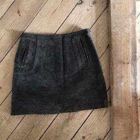 Super fed  Ruskinds nederdel  Med lommer