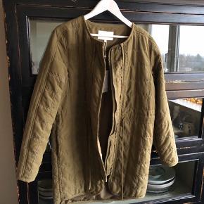 Fed quiltet jakke - aldrig brugt - BYTTER IKKE;-)