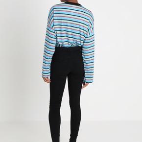DR denim plenty skinny jeans str small. Aldrig brugt med tags. Nypris 400,- ingen bytte