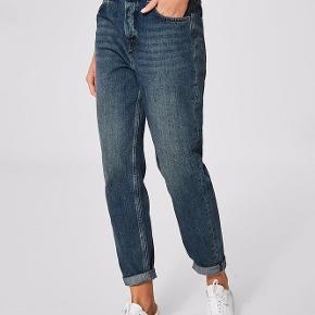 High waist mom mis jean. 29/32 (jeg er 180 cm høj). 100% bomuld