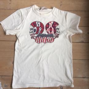 Eat dust t-shirt  Brugt to gange.