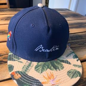 Beastin cap med justerbar læderrem. One size. Perfekt stand og brugt ganske få gange