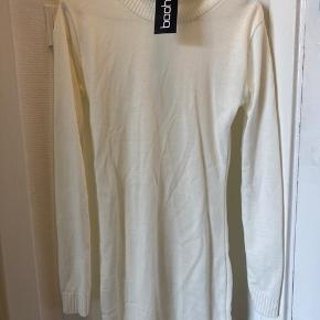 Helt ny strik kjole  Bytter ikke  #secondchancesummer