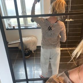 Så fin blonde bluse fra day fin sart pudder farvet. Aldrig brugt
