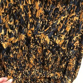 Lækker Otter-dress fra By Malene Birger sælges - brugt 5 gange.