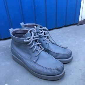 #30dayssellout #hankjøbenhavn #boots  Han Kjøbenhavn støvler i læder. Model nr1891 Nypris: 3.000 kr Str. 44 - Indersål 28 cm, så den fitter som en normal 44 Støvlerne er brugt, men står stadig super flotte.  Kan også afhentes i København