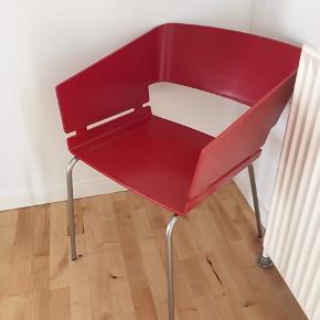 Ny flot rød stol Kom med et bud
