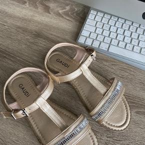 Gaudì sandaler