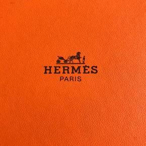 Hermes æske til bælte. Incl. lille pose til spændet.  Byd