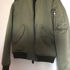 Super fed jakke købt i usa, af mørket FAITH CONNEXION