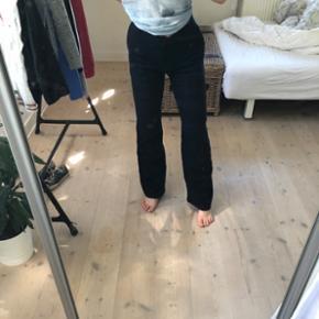 Sælger de her mega populære bukser fra Birgitte Herskind i en str xs fitter bedst en str small. De er som nye og kan stadig fås i butikkerne