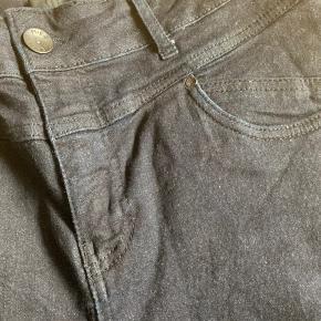 Lækre mørkeblå jeans med en masse stretch  Str W 33- L 32  #30dayssellout