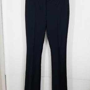 Paul & Joe mørkeblå bukser i tynd uld. En italiensk 42