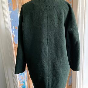 Super fin lidt oversized jakke fra Envii.