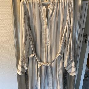 Fin kjole/tunika fra Heartmade. Aldrig brugt