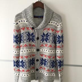 ▪️H&M varm sweater ▪️Str. Small ▪️Brugt to gange