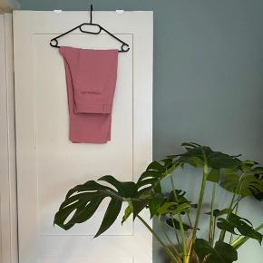 Flot blazer og suit bukser fra Samsøe Samsøe. Bukserne er 3/4 lange.   #30dayssellout
