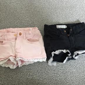 2 par shorts med blonde kant.  Lyserøde og sorte. Pr par 40kr, begge par for 75 kr  Afh i 6710
