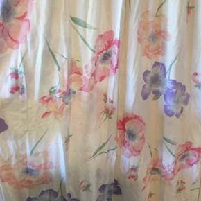 Virkelig fin vintage natkjole i bomuldsjersey. Kjolen har ingen str men svarer til en L.
