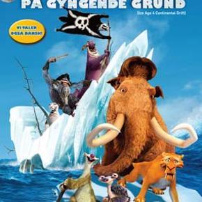 0235 - Ice Age 4: På gyngende grund (DVD)  Dansk Tale - I FOLIE   Ice Age 4 Scrat jagter stadig den evigt undslippende nød, som han har forsøgt at fange siden tidernes morgen. Nu har hans skøre jagt dog konsekvenser for verden, da han udløser en kontinental naturkatastrofe, som sender Manfred, Diego og Sid ud på endnu et fantastisk eventyr. De tre venner kommer væk fra resten af flokken, da kontinenterne deler sig, og med Sids stride bedstemor på slæb støder de ind i en gruppe pirater, der gør alt for at forhindre Manfred, Diego og Sid i at komme hjem igen. Tekst fra pressemateriale